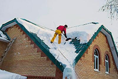 Очистка крыш снега и льда